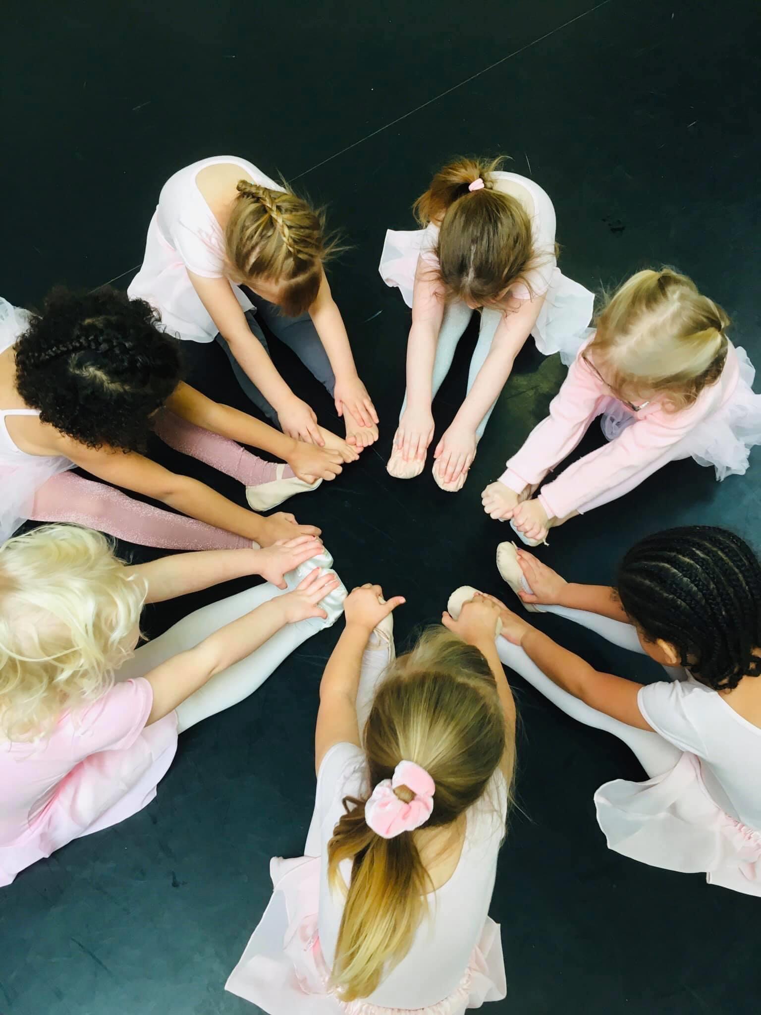 ballet class in a circle