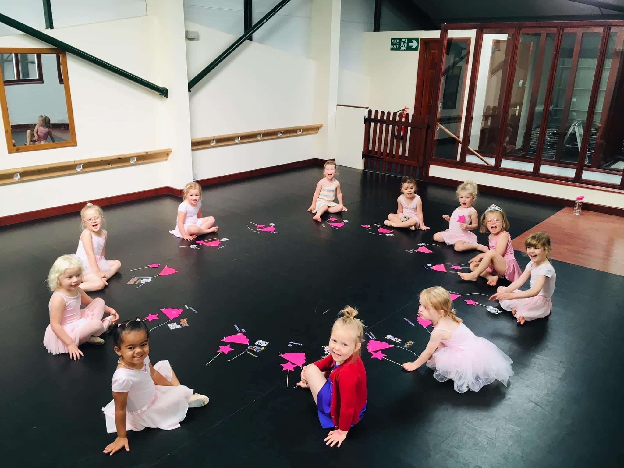 ballet class, large circle